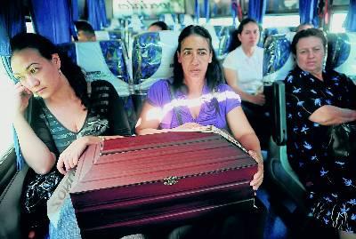 Aparece en Colombia una fosa común con 2.000 cadáveres