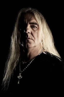 El movimiento heavy metal organiza una campaña para oficializar su fe 1264530876087billydn